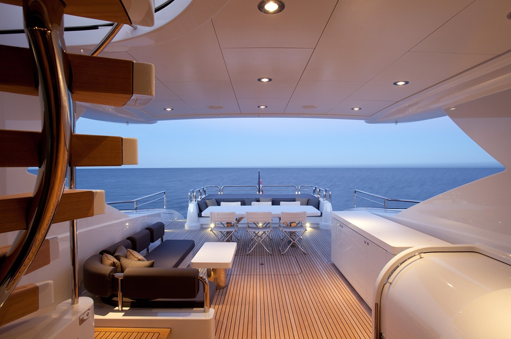 Quantum-super-yacht-rear-deck