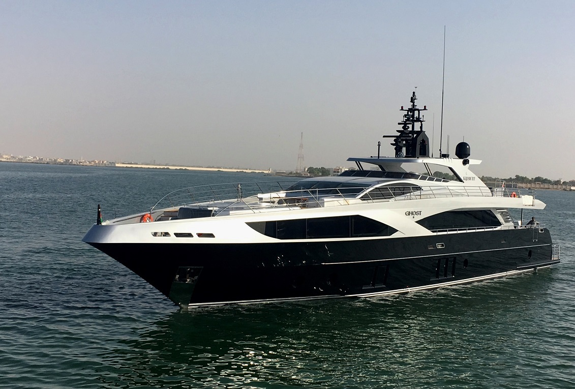 super-yacht-hire-sydney-on-ghost-ii-port-view